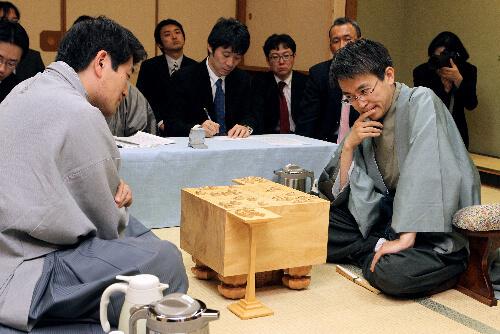 この画像は、サイトの記事「将棋 名人戦 棋譜 テレビやネットで話題 YouTube注目無料視聴動画ご紹介!」のイメージ写真画像として利用しています。