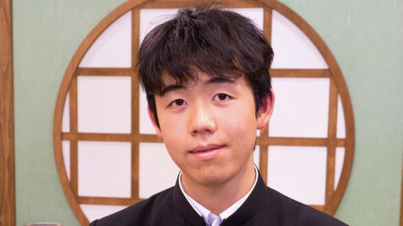 この画像は、サイトの記事「竜王戦 藤井聡太 テレビやネットで話題 YouTube注目無料視聴動画ご紹介!」のイメージ写真画像として利用しています。