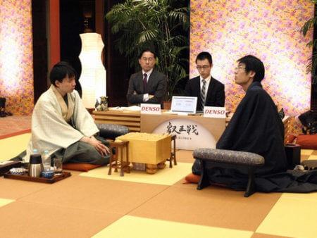 この画像は、サイトの記事「叡王戦 佐藤天彦 テレビやネットで話題 YouTube注目無料視聴動画ご紹介!」のイメージ写真画像として利用しています。