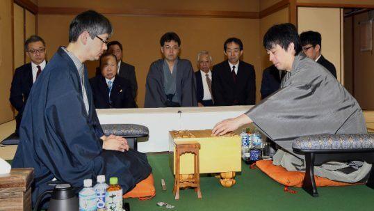 この画像は、サイトの記事「王将戦 郷田 久保 テレビやネットで話題 YouTube注目無料視聴動画ご紹介!」のイメージ写真画像として利用しています。