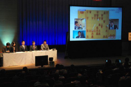 この画像は、サイトの記事「朝日杯将棋オープン戦 棋譜 テレビやネットで話題 YouTube注目無料視聴動画ご紹介!」のイメージ写真画像として利用しています。