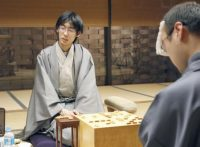 この画像は、サイトの記事「棋王戦 千田翔太 テレビやネットで話題 YouTube注目無料視聴動画ご紹介!」のイメージ写真画像として利用しています。