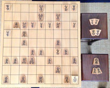 この画像は、サイトの記事「NHK杯 将棋 棋譜 テレビやネットで話題 YouTube注目無料視聴動画ご紹介!」のイメージ写真画像として利用しています。